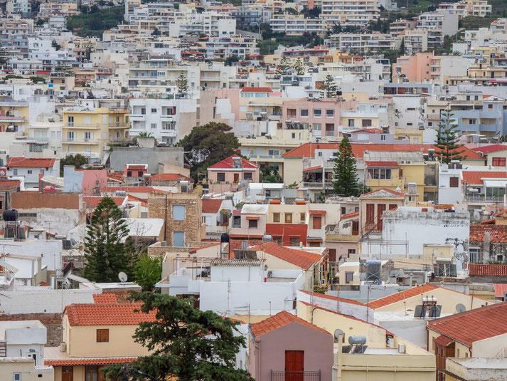 Blick in die Stadt Rethymno hinein
