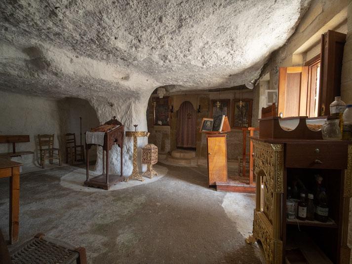 Höhlenkirche in Polyrinnia