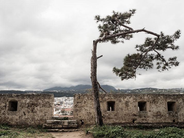über 1300 m ist die Länge der noch vollständig erhaltenen Festungsmauer