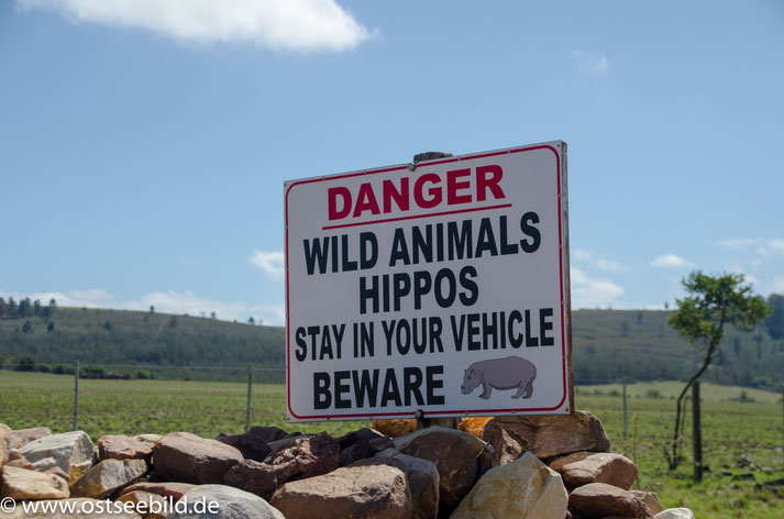 Warnschild wilde Tiere im Plettenberg Bay Game Reserve