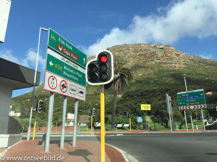 Verkehrsschilder Kreuzung in Kapstadt