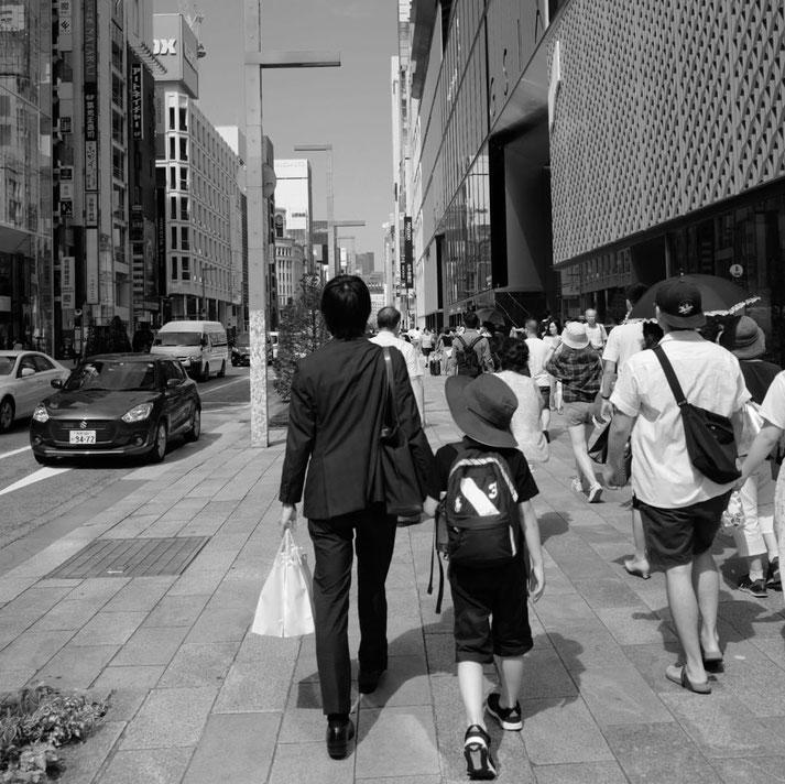 画像: 銀座を歩くタッキーとぼく