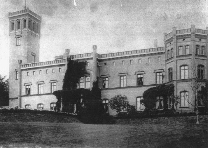Schloss Arendsee in der Uckermark wurde von Albert Graf von Schlippenbach gebaut.