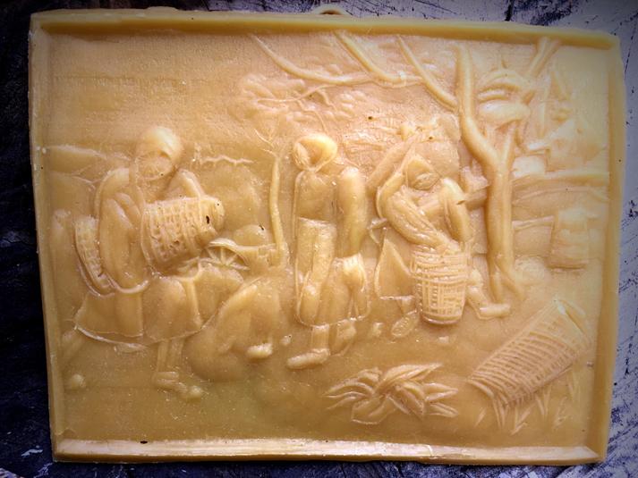 Votivtäfelchen, Bienenwachs, nach Peter Bruegel d.Ä., Vorbereitung zum Bienenwandern
