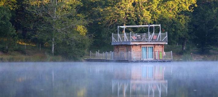 cabane flottante dordogne perigord