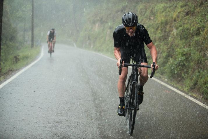 Beim e-Rennrad kommt die Motorunterstützung temporär zum Einsatz
