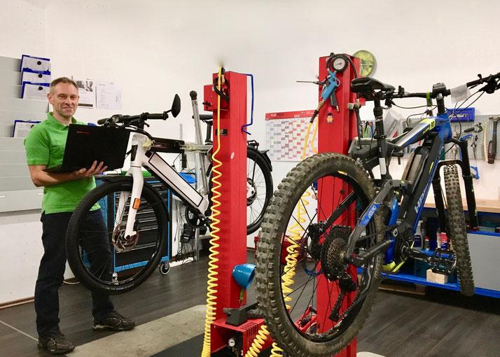 Service und Reparatur von e-Bikes in der e-motion e-Bike Welt Braunschweig
