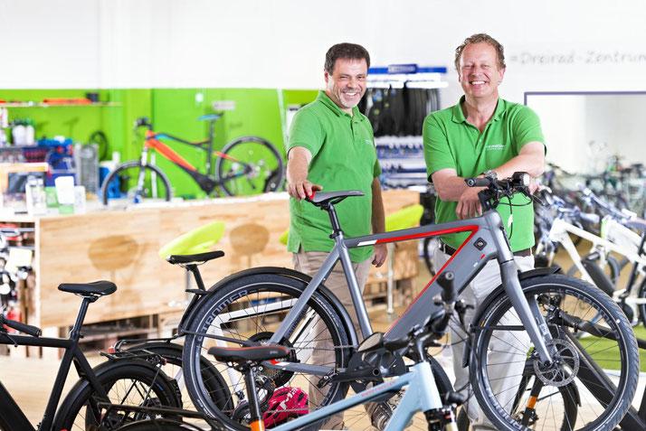 Kostenlose Beratung, Probefahrt und Vergleich von Trekking e-Bikes in der e-motion e-Bike Welt in Bielefeld
