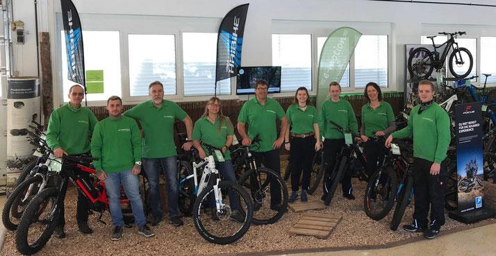 Beratung zu City e-Bikes in der e-motion e-Bike Welt Tuttlingen