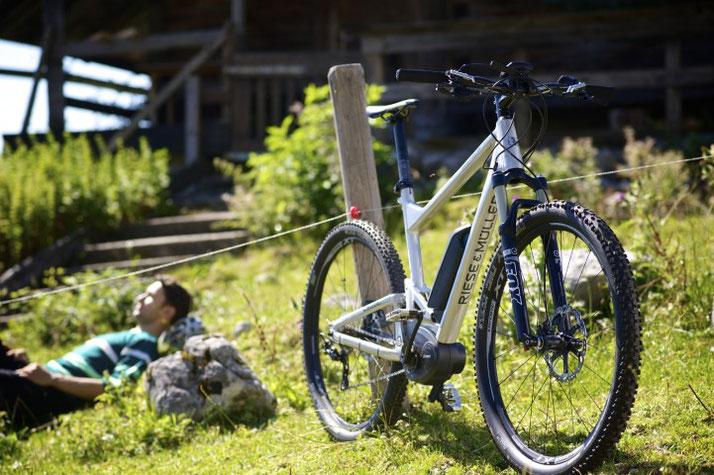 Im Shop in Schleswig können Sie alle unterschiedlichen Ausführungen von e-Mountainbikes kennen lernen.