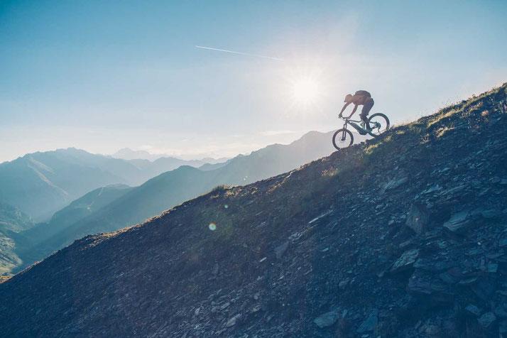 Erleben Sie e-Mountainbikes in der e-motion e-Bike Welt in Cloppenburg. Beratung, Probefahrt und kaufen!