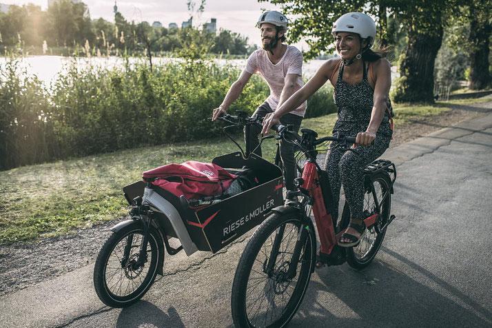 Lasten e-Bikes und alles drum herum finden Sie im Shop in Karlsruhe