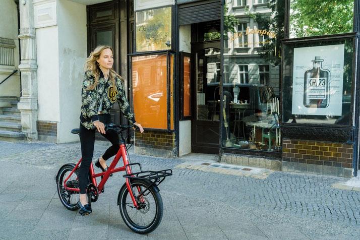 Lernen Sie die praktischen Eigenschaften von Falt- und Kompakt e-Bikes in der e-motion e-Bike Welt Westhausen kennen