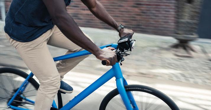 Das COBI.Bike System mit der COBI.Bike App bietet mehr Funktionen als herkömmliche Bordcomputer