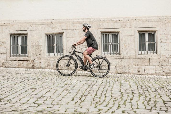 Im Shop in Würzburg können Sie alle unterschiedlichen Ausführungen von Trekking e-Bikes kennenlernen.