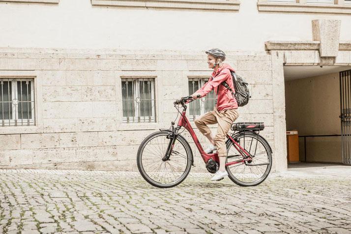 Im Shop in Wiesbaden können Sie alle unterschiedlichen Ausführungen von Trekking e-Bikes kennenlernen.