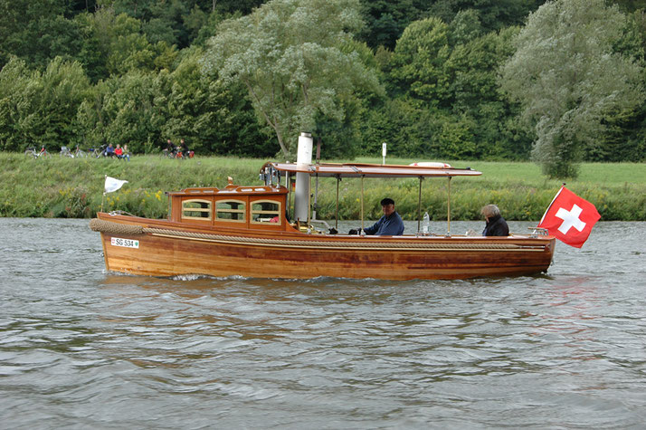 Bald nimmt das Dampfboot «Penelope» fahrt auf dem Sempachersee auf.