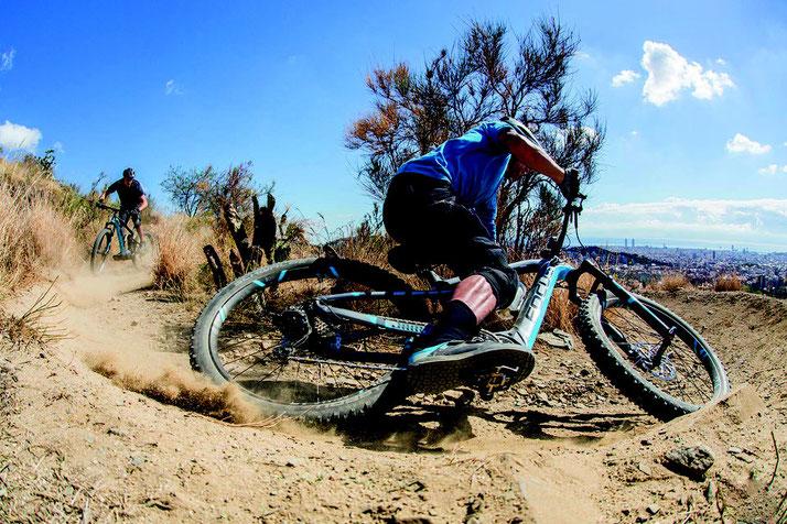 e-Mountainbikes und Speed-Pedelecs mit Kettenschaltung bei den e-motion e-Bike Experten probefahren