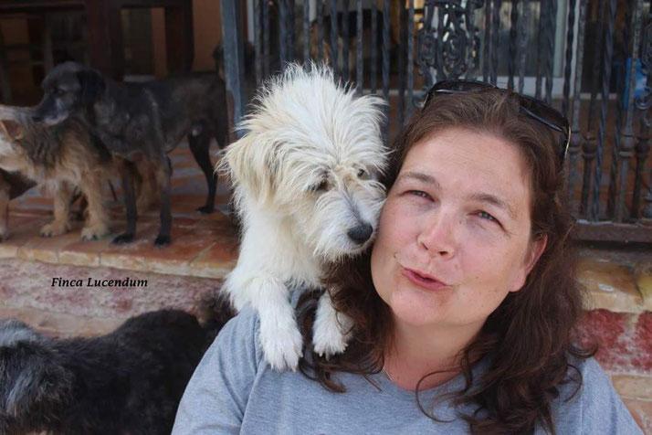 Aufgenommen während einer Tierschutzreise von der wunderbaren Gisela Soefner im Mai 2016.  www.lucendum-animals.org