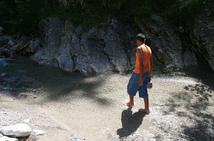 Bild: Junge an der Hofbauernweißach