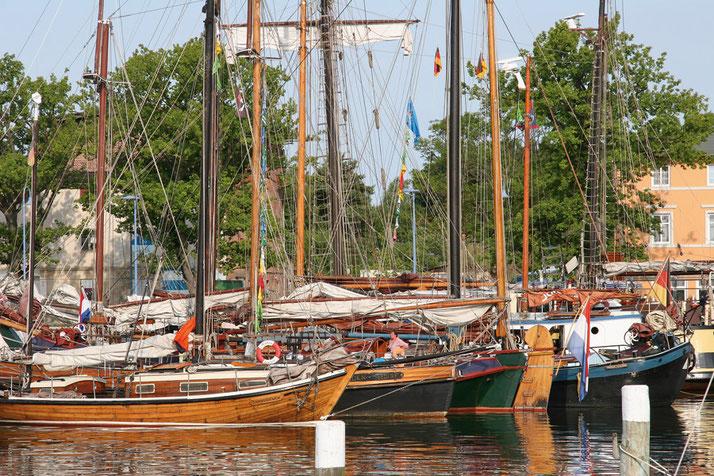 Traditions-Segler im Lauterbacher Hafen