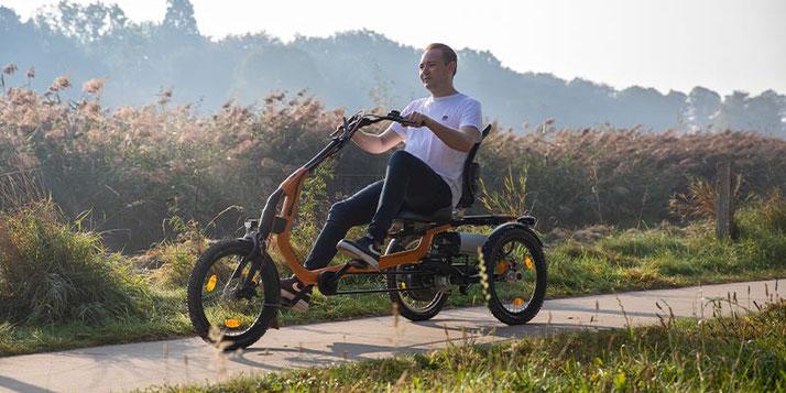 Dreirad für Menschen mit spastischen Lähmungen
