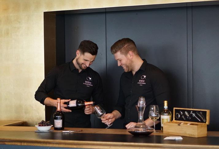 Weinausschank in Kempten (Allgäu) mit Prosecco und Weißwein