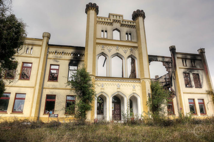 Burned down castle in Eastern Germany
