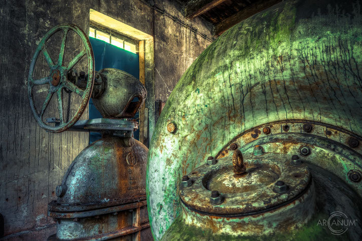 Abandoned wood grinding shop in the Harz mountains of Germany | Verlassene Schleiferei im Harz