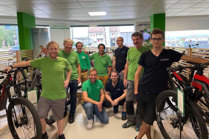 Das Team im Lastenfahrrad-Zentrum Aarau-Ost