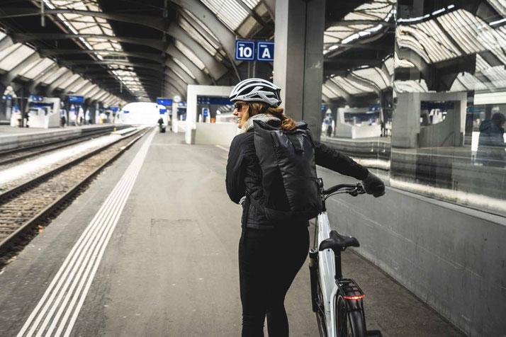 e-Bikes und Elektrovelos leasen? - Ganz einfach per Gehaltsumwandlung anrechnen lassen oder von der Steuer absetzen in der e-motion e-Bike Welt Dietikon!