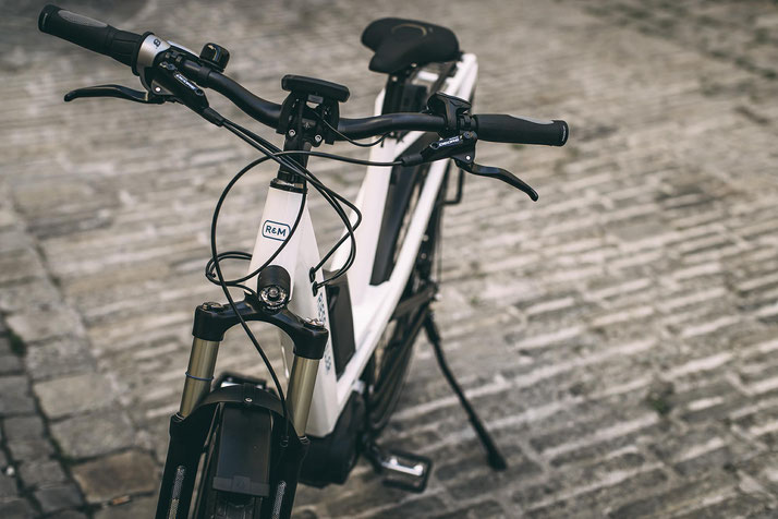 City e-Bikes im Alltag nutzen - jetzt in der e-motion e-Bike Welt Bern kompetente Beratung und kostenlose Probefahrten sichern!