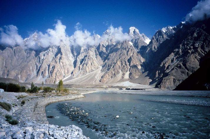 Karakorum Highway - Pakistan