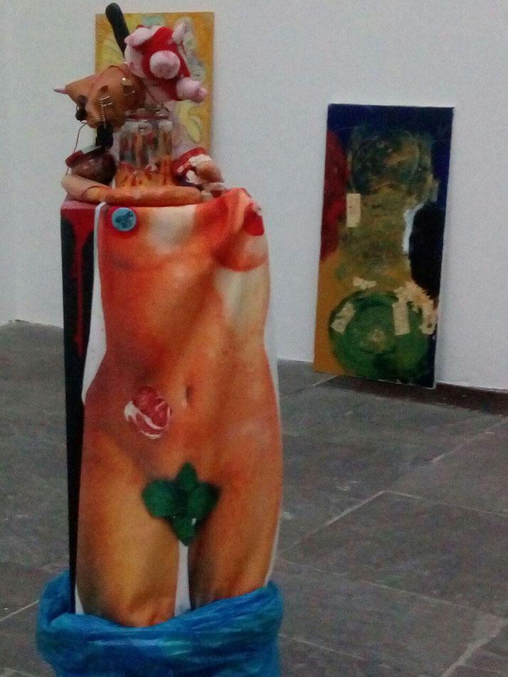 RADIKAL, HP Berndl 2019, Installation aus diversem Marerial
