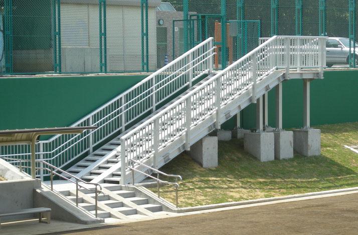 東京都 善福寺川公園緑地 階段