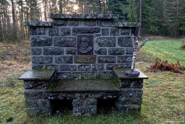 Adolf Weiß Denkmal auf dem Knoten