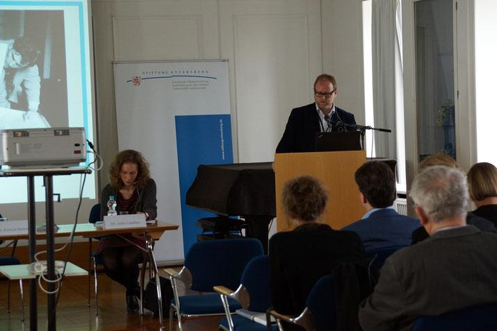 Beim gemeinsamen Vortrag mit Julia Landau, (c) Stiftung Gedenkstätten Buchenwald und Mittelbau-Dora