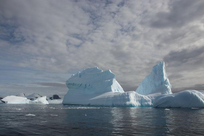 Eisscholle in der Antarktis