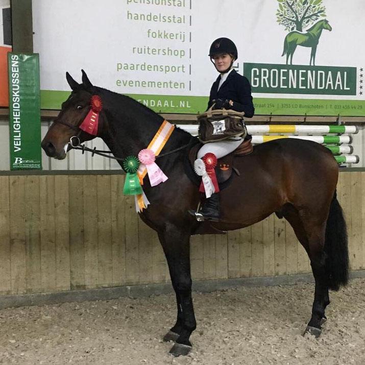 Iris Zwienenberg deed voor het eerst mee met Home Run HBZ en won de trophy in de Equitation rubrieken. Foto Facebook Iris Zwienenberg