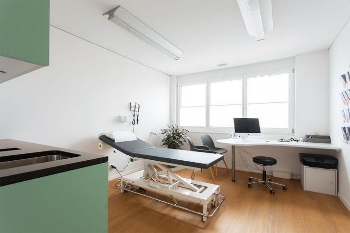 Empfang-Praxis-Rothenburg-Hausarzt-Luzern