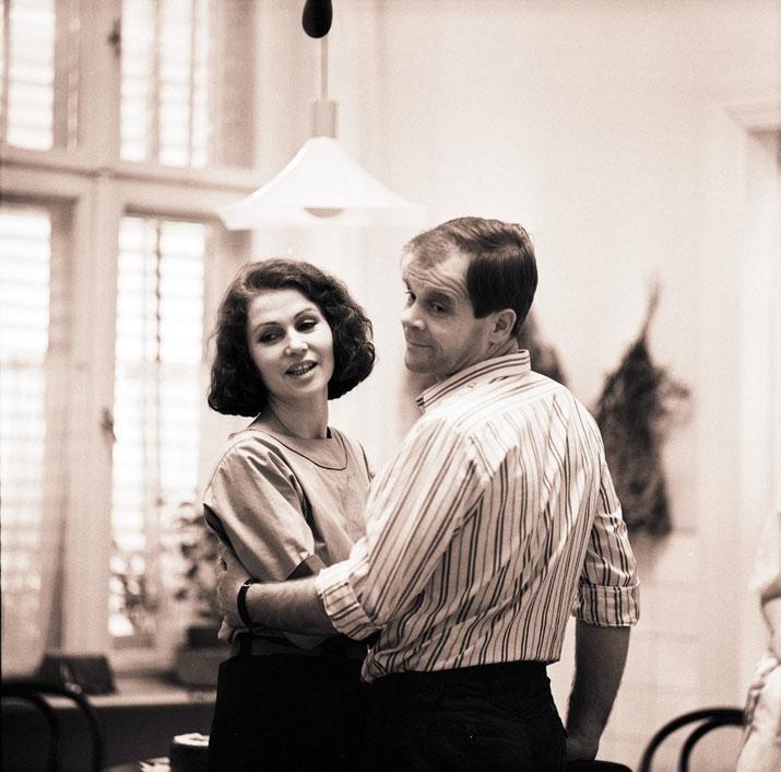 Mann und Frau beim Tanzen