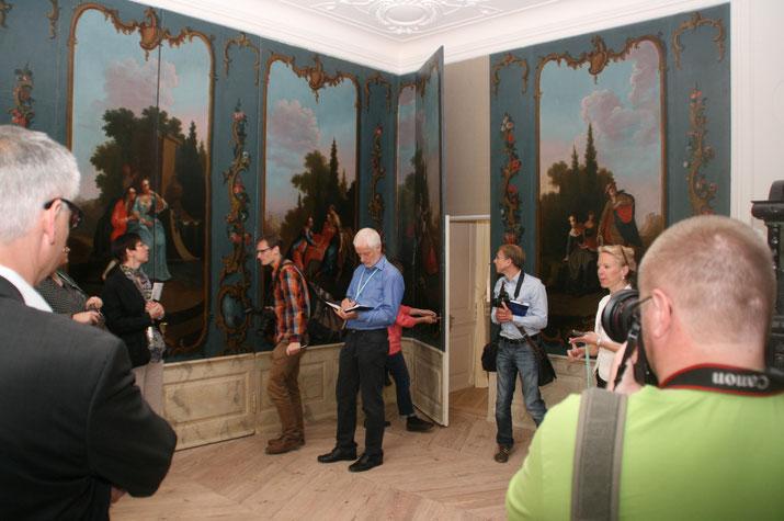 Mirower Schloss Razum mit Gemälde-Paneelen