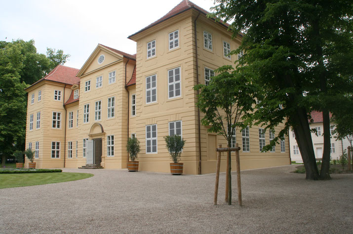 Einangsfront des Mirower Schlosses