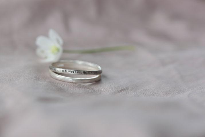Schmuckwerkstatt_Mia Korotaev_recycltes Silber und Gold_Fairer Schmuck_Ohrstecker_ring