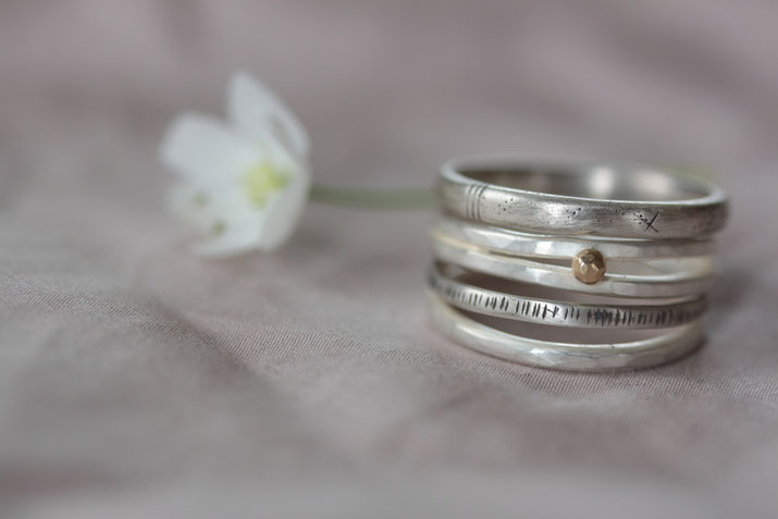 Schmuckwerkstatt_Mia Korotaev_recycltes Silber und Gold_Fairer Schmuck_Ring