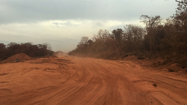 Route de construction pour aller à Kédougou