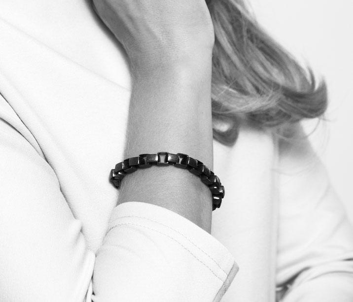 Massives unisex Silber & Gold Armband by Heather Guidero - Fotografie © Rafael Gruber