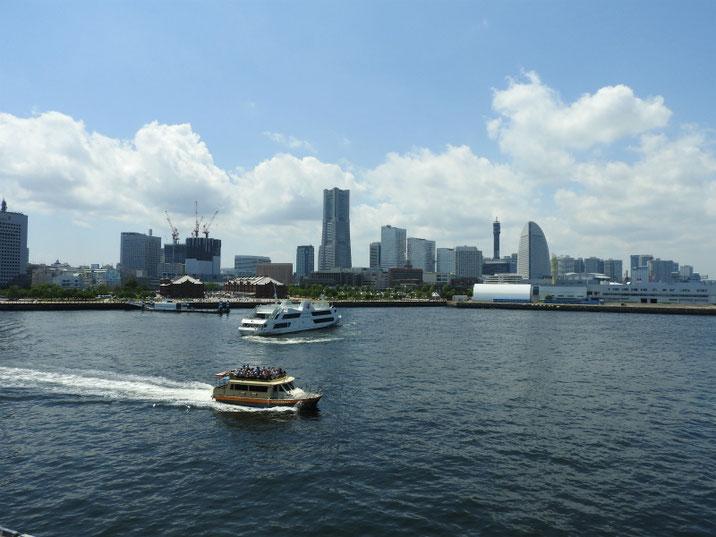 横浜港 像の鼻パークからMM21 2018/06/02撮影