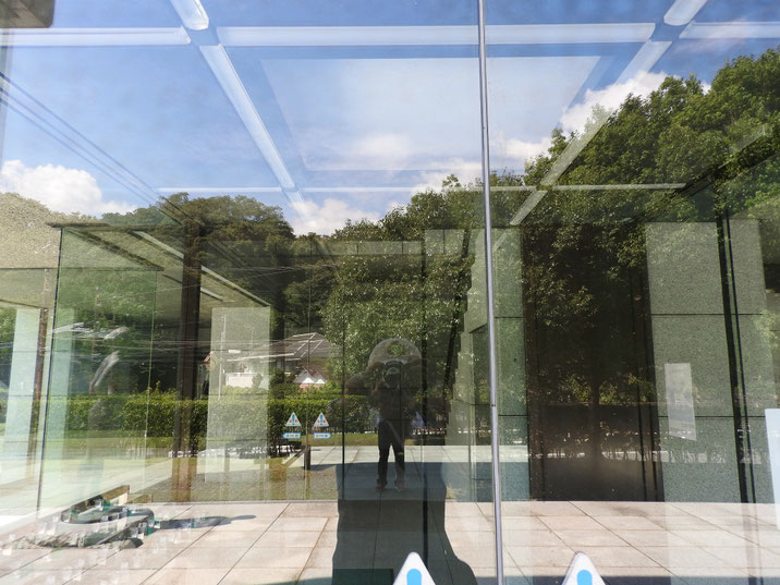 鎌倉近代美術館別館 秋のロビー 170919撮影