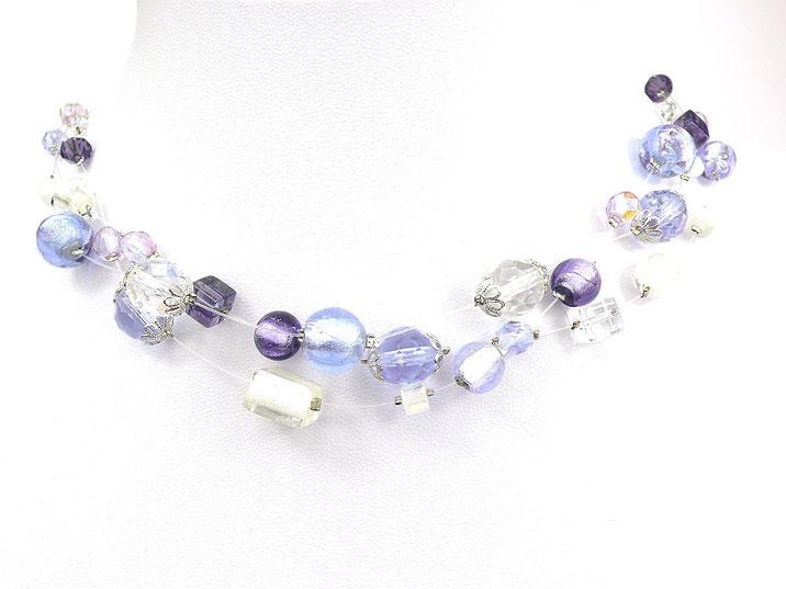 3-reihige Halskette mit Glasperlen lila weiß kristallklar